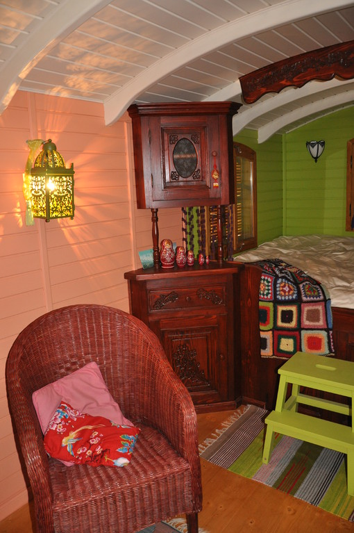weekend insolite oise picardie week end en roulotte s jour insolite en roulotte s jour en. Black Bedroom Furniture Sets. Home Design Ideas