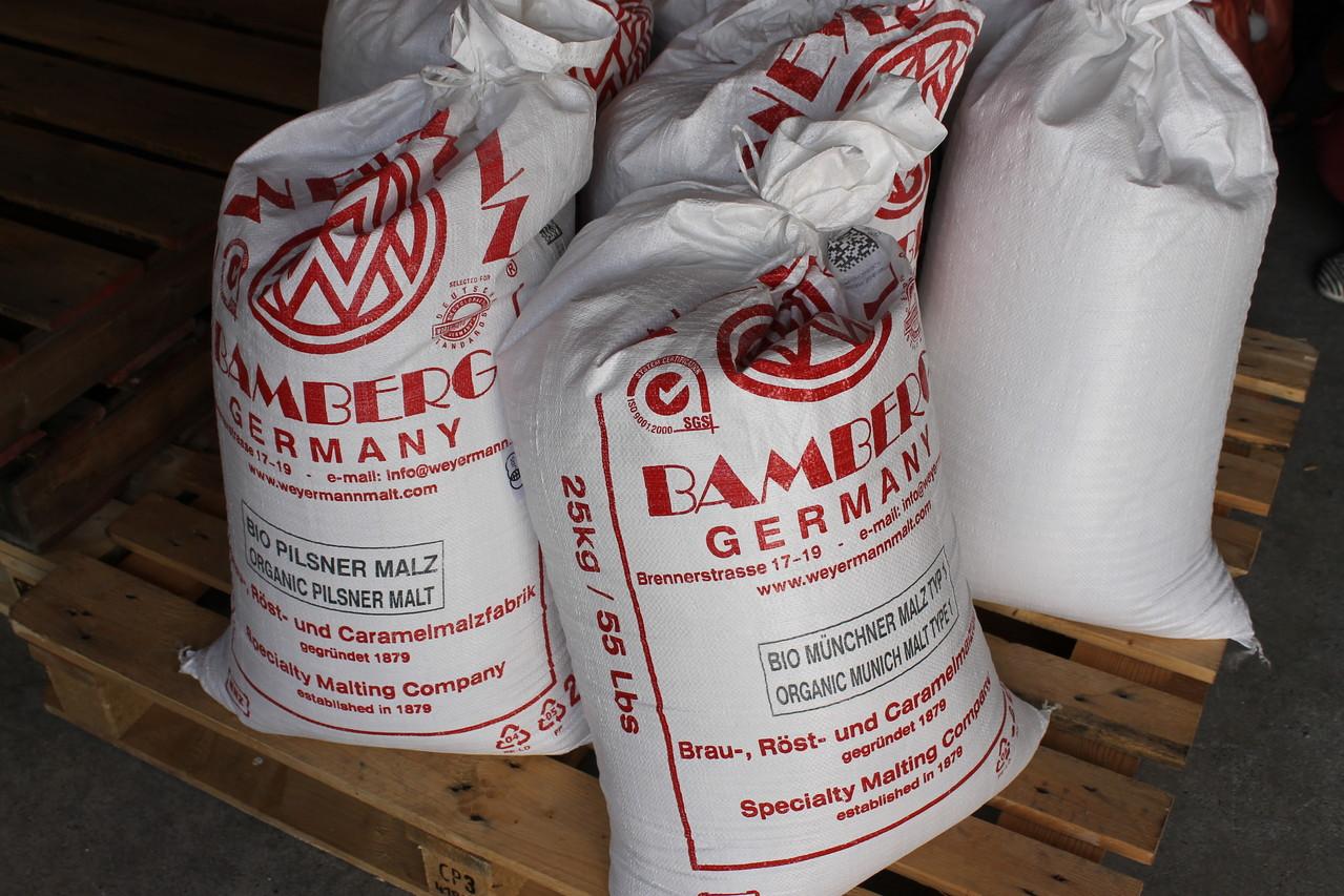 材料の麦芽。ドイツ産のオーガニック。