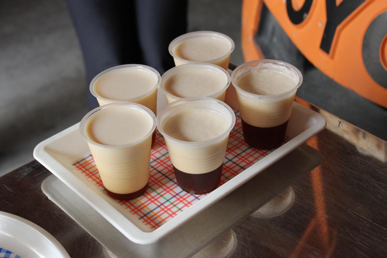 色の濃いデュンケルは焦がし麦芽(カラメル麦芽)を加えたビールで、香ばしさと口当たりの柔らかさが特徴。