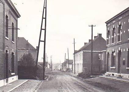 Strée, rue de la Station ( il y a quelques années )