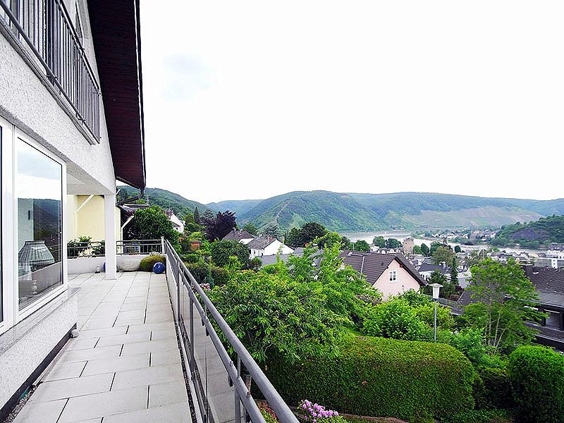 Rhein-Hunsrück-Kreis: Exklusives Einfamilienhaus mit ELW mit freiem Rheinblick in Boppard