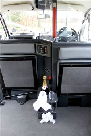 Wedding car that allows you to drink champagne