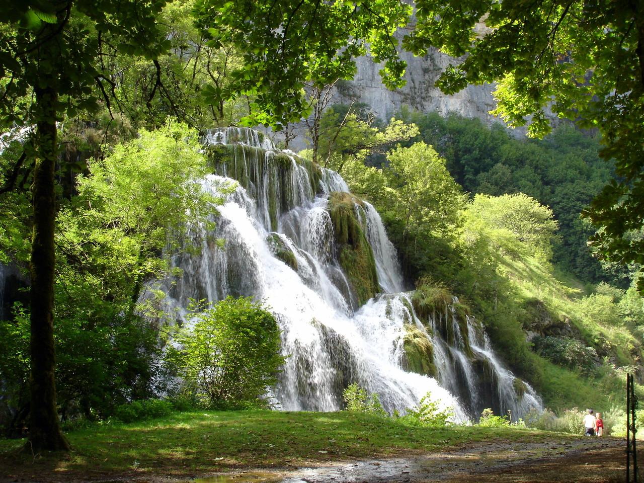 Baume-les-Messieurs - Tufs waterfall