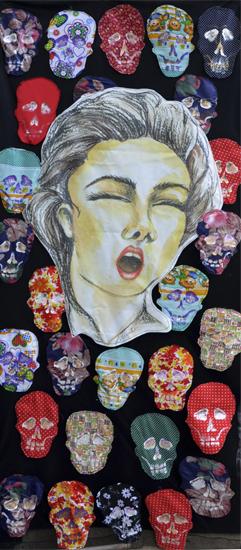 Título: la muerte tambien la goza  Medidas: 210 X 80 cm Técnica: Organza y algodón, costuras