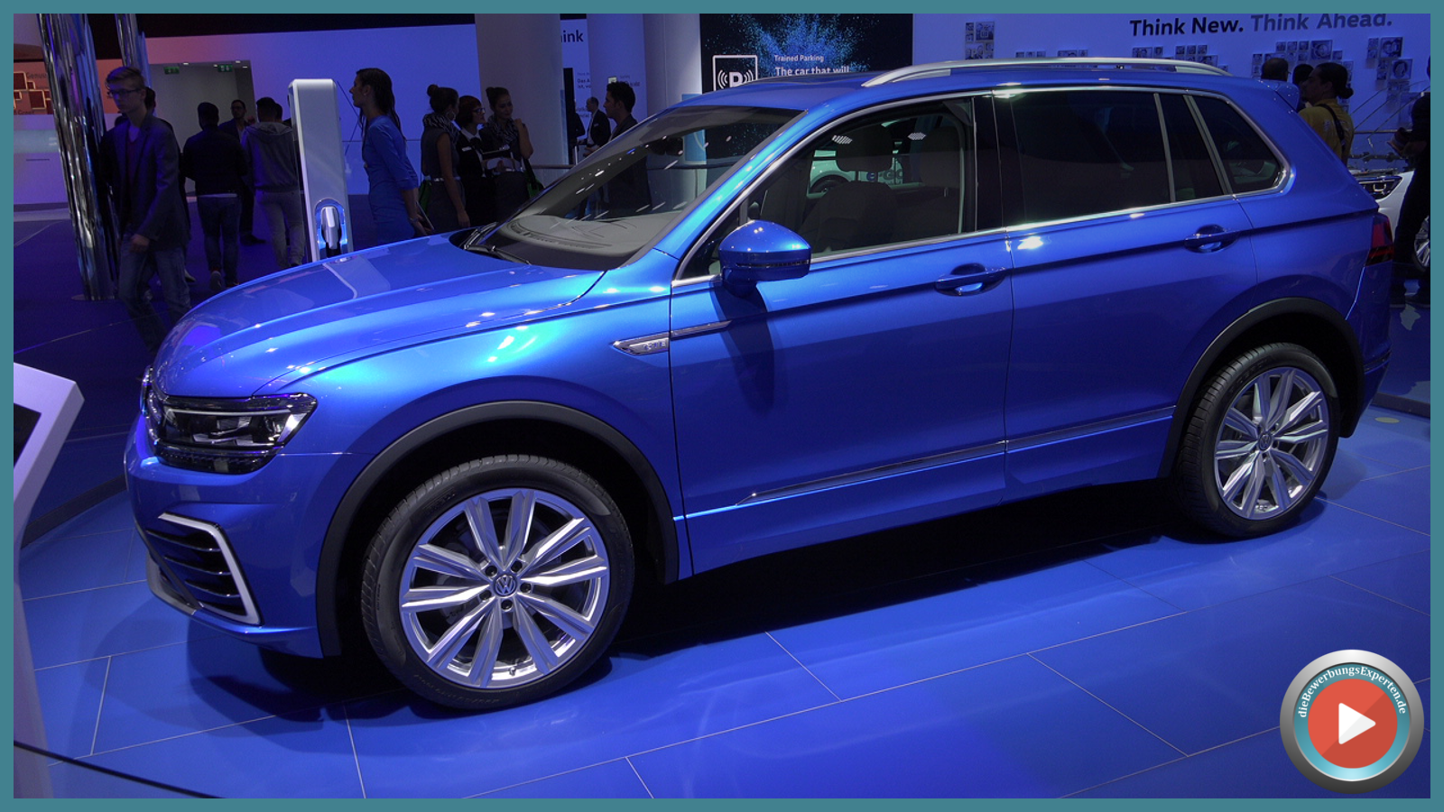 Ganz am Ende des Tages noch ein Star der IAA - der neue Volkswagen Tiguan 2015