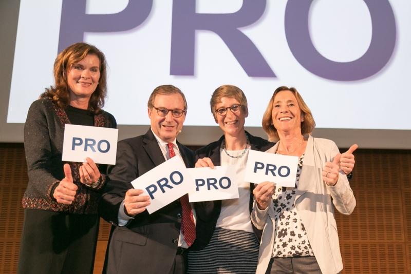 Foto: Treudis Nass für KiO, v.l.n.r.: Ulrike Nasse Meyfarth, Jan Hofer, Franziska Liebhardt, Cornelia Hanisch sind PRO Widerspruchslösung
