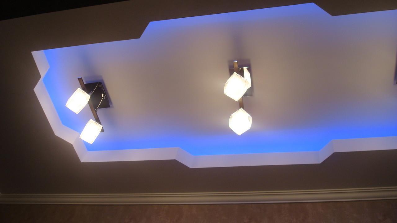 Потолок с закарнизной подсветкой.Вид 10. ИНТЕРЬЕР ТРЕХКОМНАТНОЙ КВАРТИРЫ