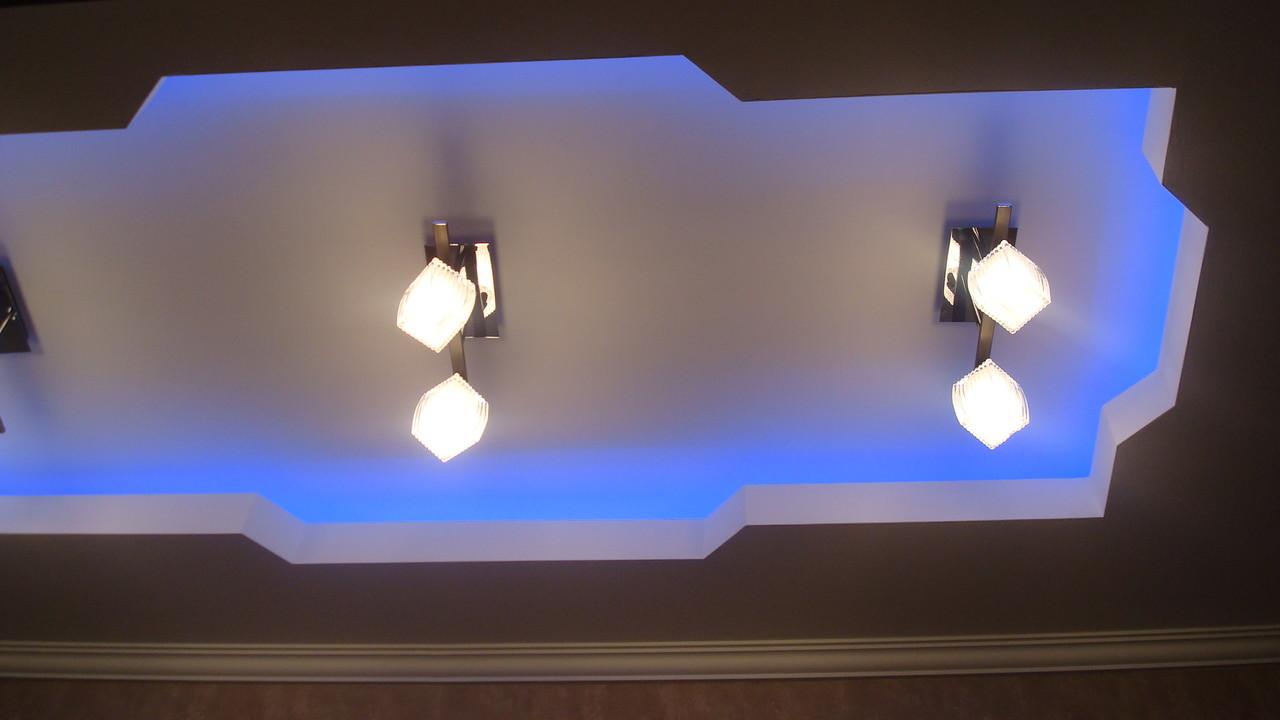 Потолок с закарнизной подсветкой.Вид 12. ИНТЕРЬЕР ТРЕХКОМНАТНОЙ КВАРТИРЫ