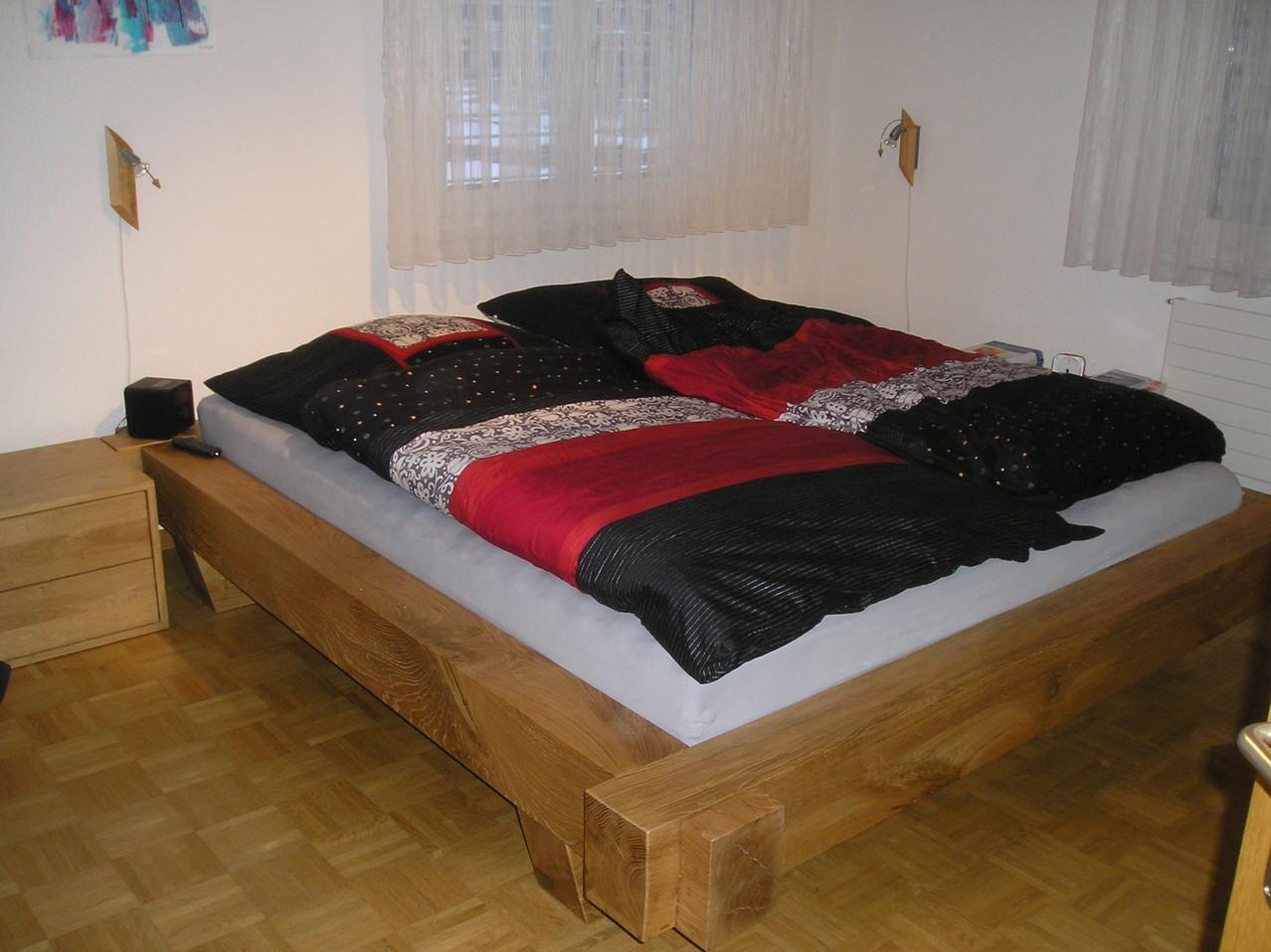 Bett aus massivem Eichenholz gebürstet und geölt in Knutwil