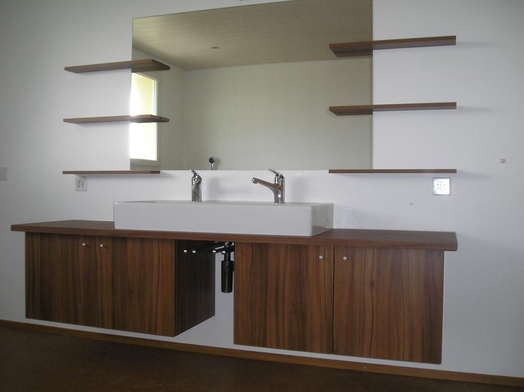 Badmöbel in MFH Mauensee