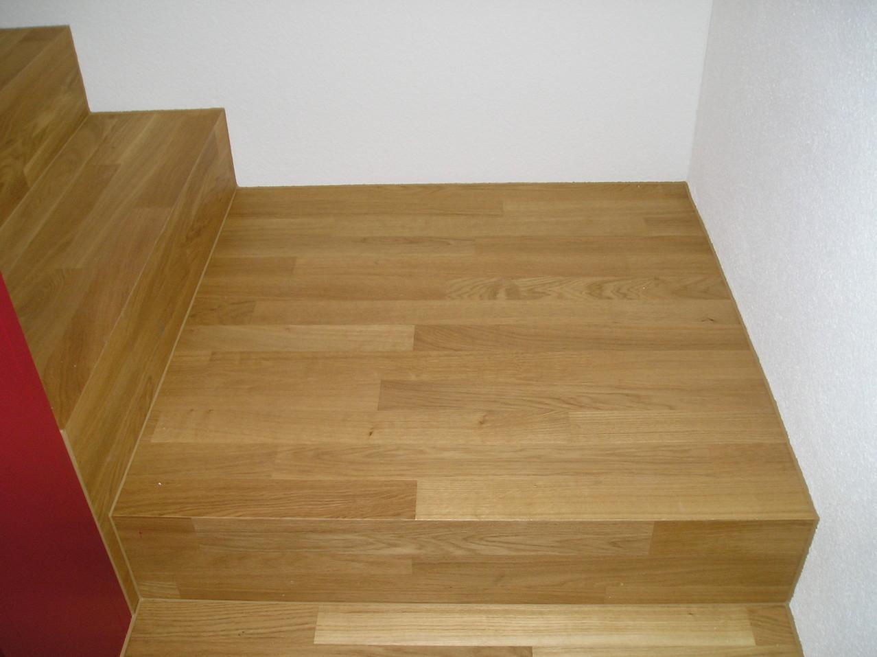 Treppe mit Podest in EFH St.Erhard