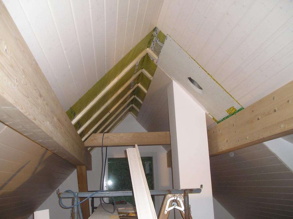 Täfer, Decke Dachwohnung in Mauensee