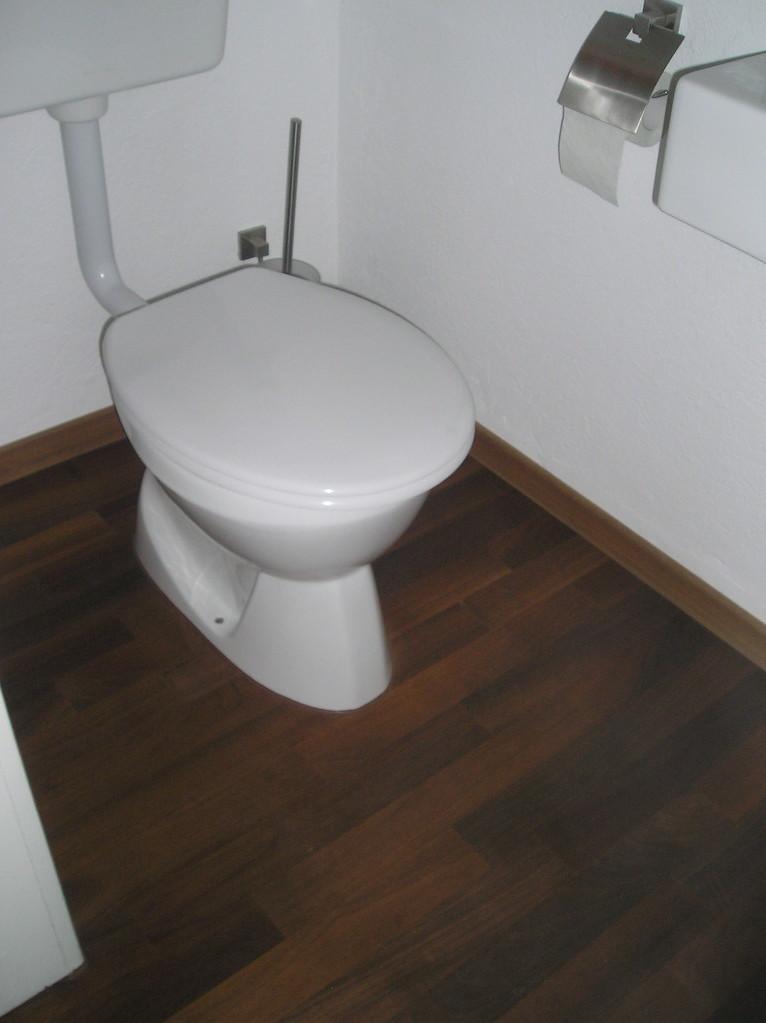 Parkett in WC, Nussbaum geölt