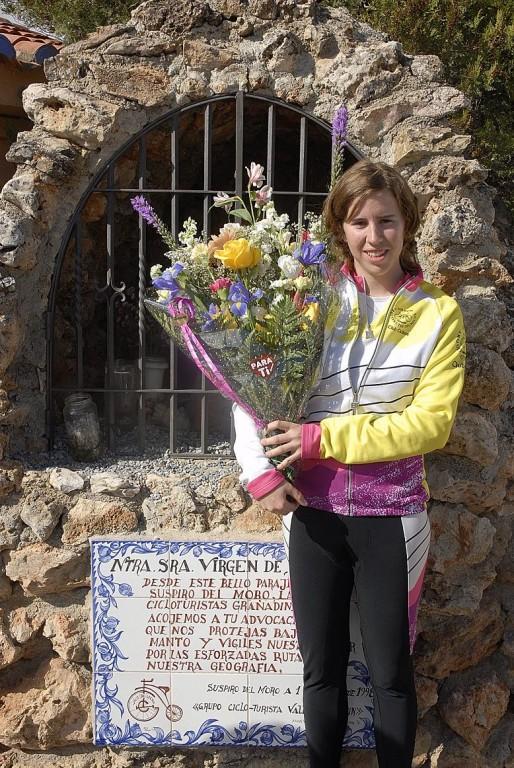 Ramo de flores a Virgen de Dorleta