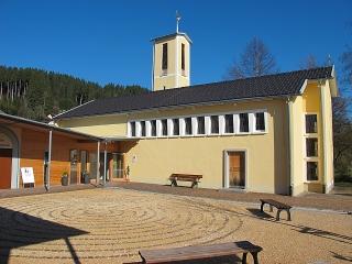 Oberstaufen - Labyrinth bei der Ev.-Luth. Heilig-Geist-Kirche