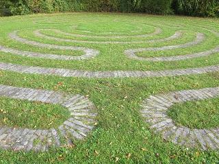 Sießen - Labyrinth im Franziskusgarten