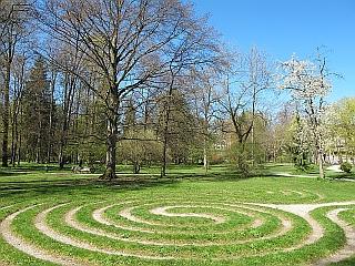 Kaufbeuren - Jordanpark mit Labyrinth