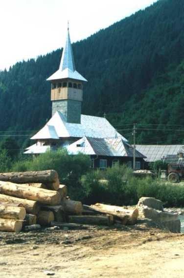 Eglise dans la vallée du Vaser
