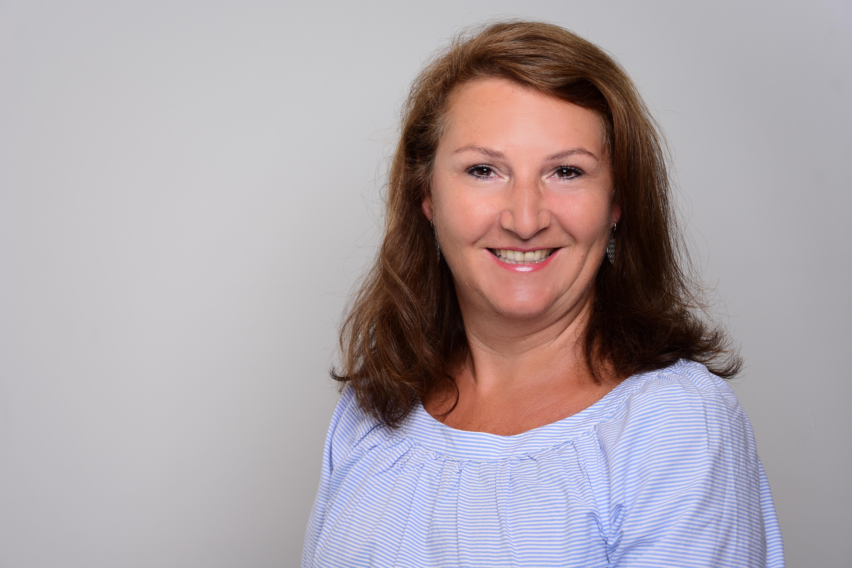 Kosmetikbehandlung München, CND Shellac, nageldesign