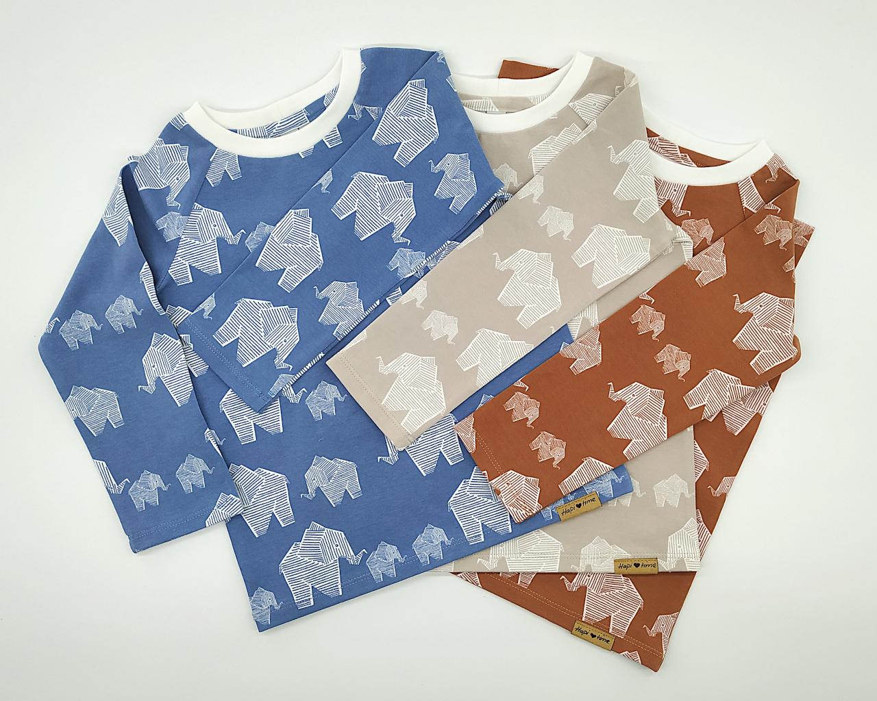 Westen, Pullis und T-Shirts