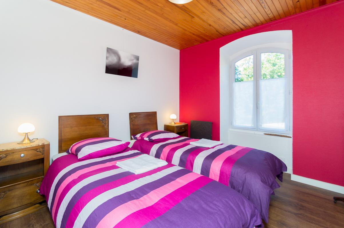 Rez-de-chaussée : chambre rose