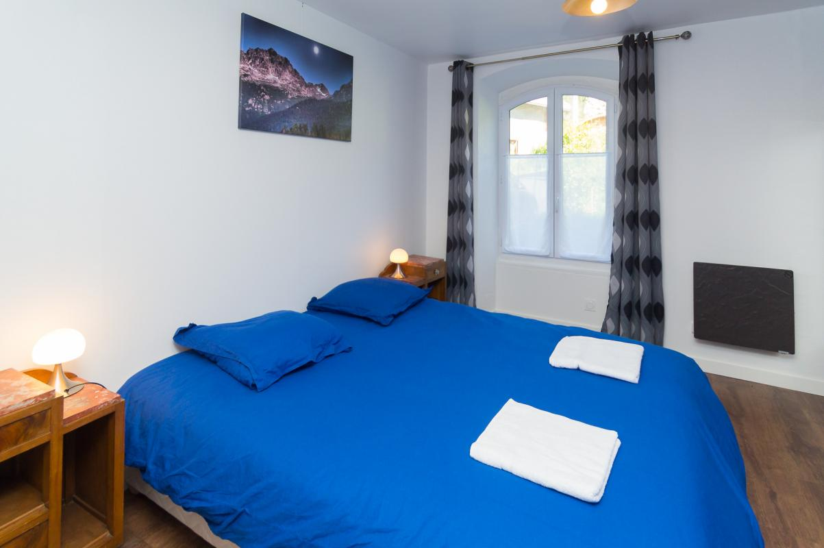 Gîte de Belledonne 2 : la chambre bleu, adaptée PMR