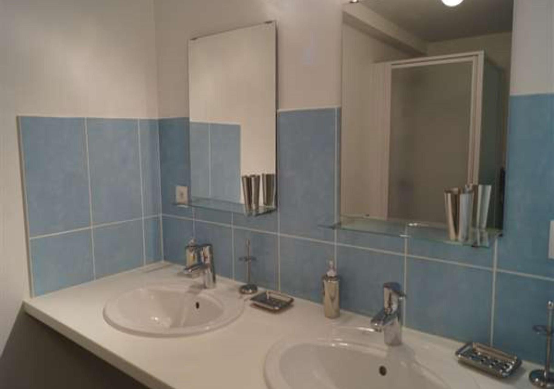 première salle d'eau et WC