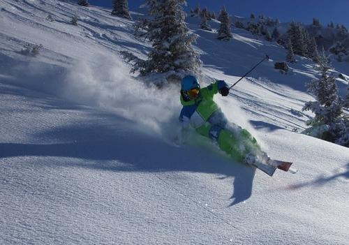 Ski alpin dans la poudreuse de Belledonne
