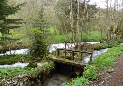 Le ruisseau de Laval, lieu de pêche et de ballade