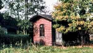Die Vereinshütte zum Zeitpunkt des Ankaufs (Foto: Albrecht Belz)