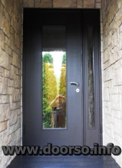 металлическая дверь со стеклопакетом на заказ.