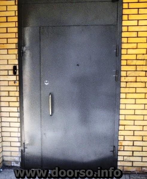 подъездные металлические двери.