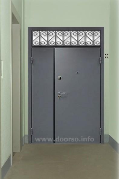 подъездная дверь, решетка с верху.