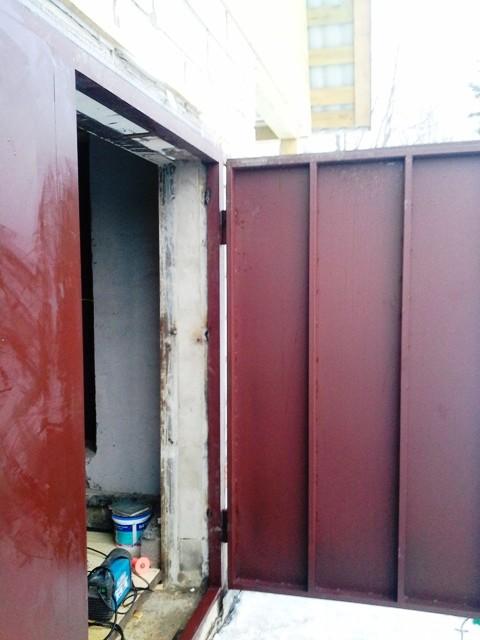Установка гаражных ворот с применением сварки город Звенигород.