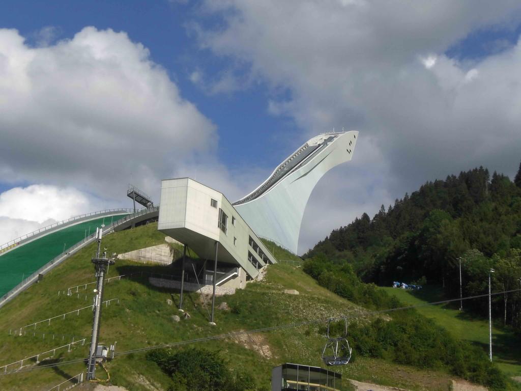 Die neue (und teure) Skisprung-Schanze in Garmisch-Partenkirchen