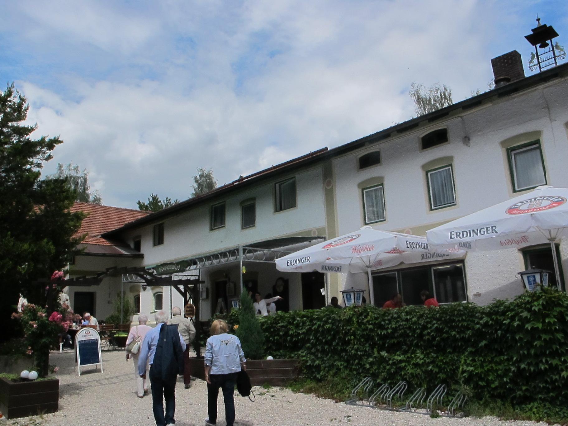 """... beim """"Loaner-Wirt"""" Nähe Taufkirchen."""