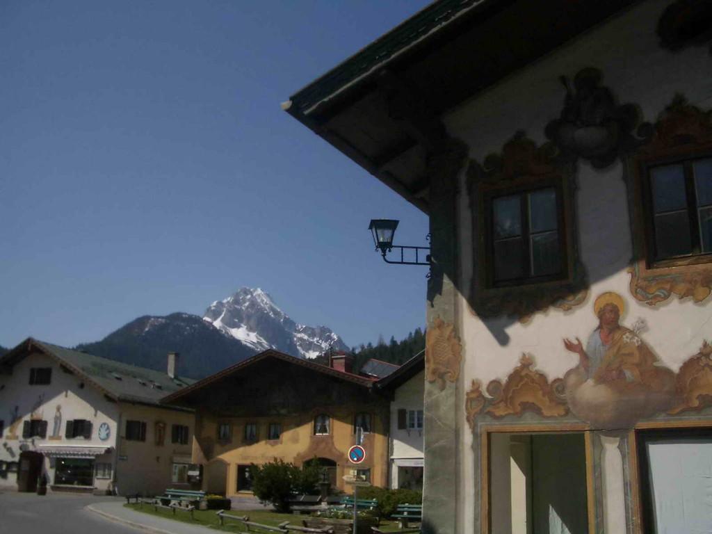Mittenwald mit Karwendel
