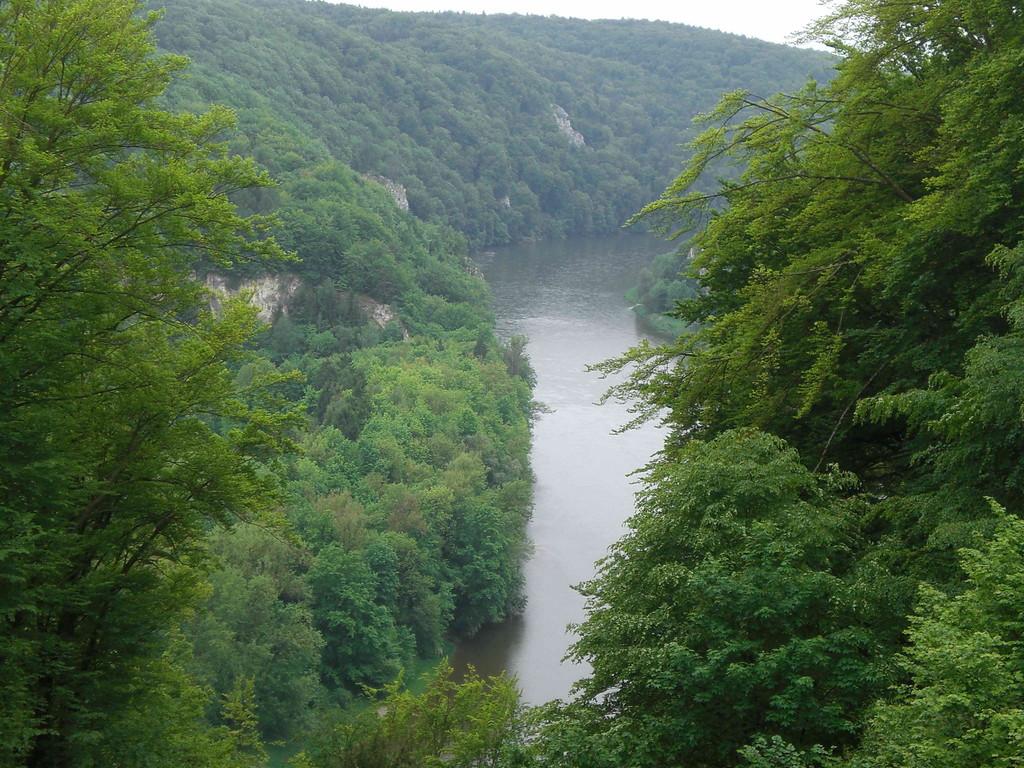 """""""Tiefblick"""" von Befreiungshalle  auf Donau                                                                               Fot: KK"""