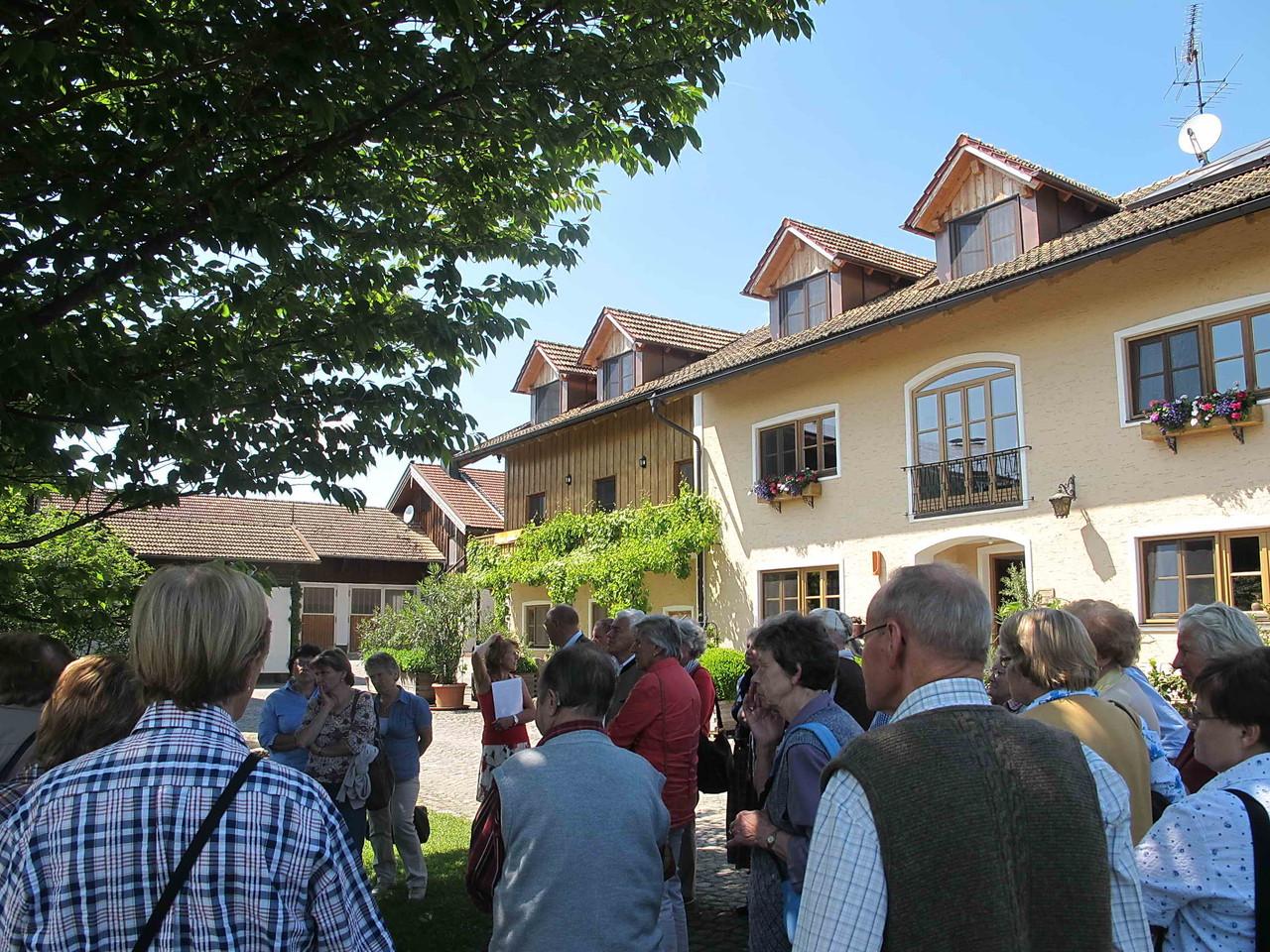 und die wissbegierigen Besucher aus Schliersee