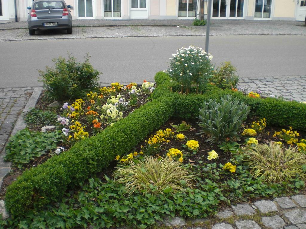 """""""Straßen-Begrünung"""" in Riedenburg                                                                                      Fot: KK"""