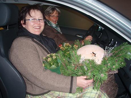 Es hat sich wieder gelohnt: Strahlende Gesichter von Sonja und Centa bei der Heimfahrt