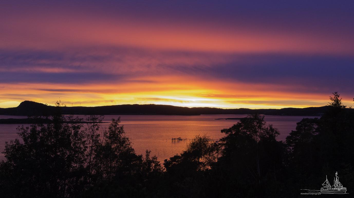 Herbstabend bei Uddevalla, Provinz Bohuslän, Schweden