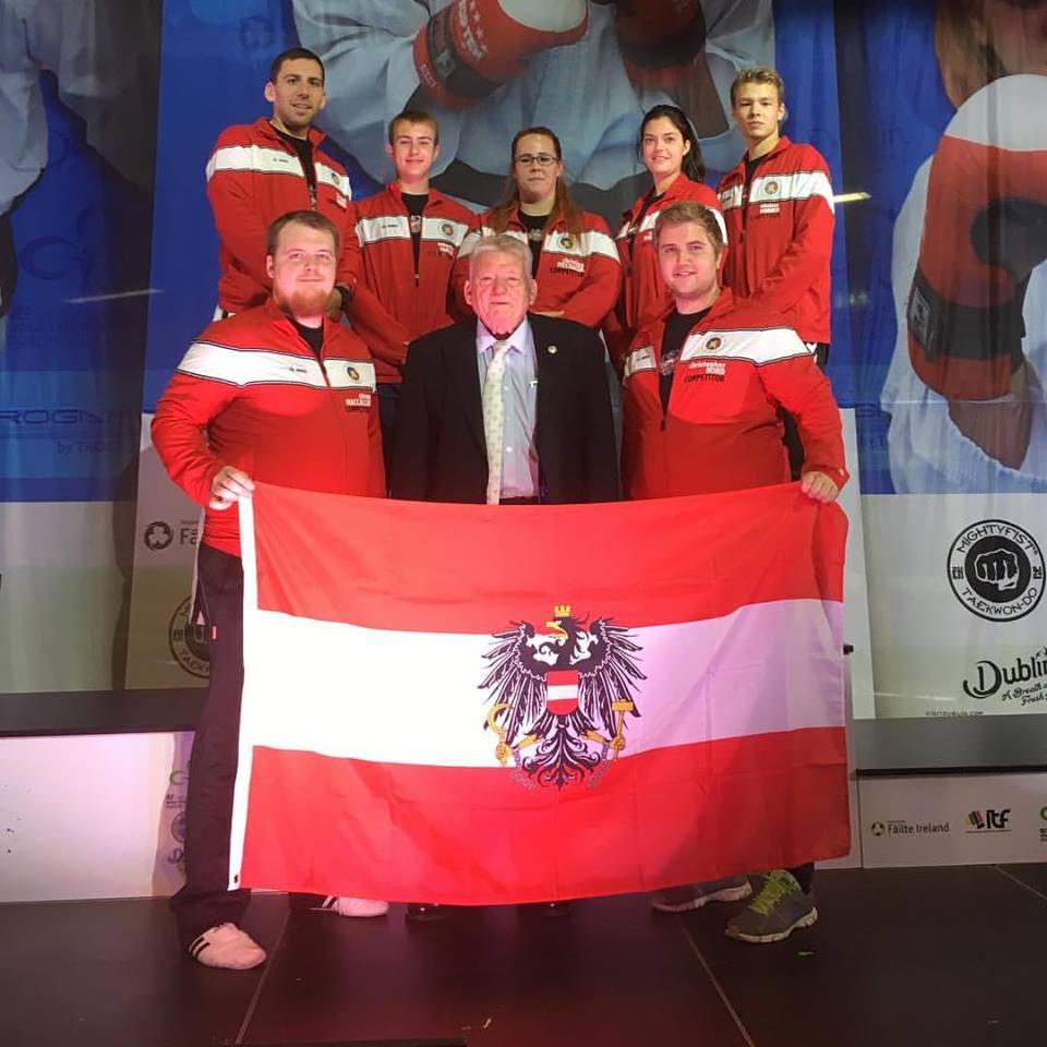 Unser Team mit GM T. MacCallum, ein muss dieses Foto!