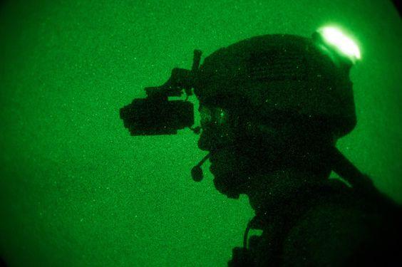 Core Survival, Hel-Star señalizando IFF ( Identificación Amigo/ Enemigo ) en modo IR ( Invisible al ojo humano )