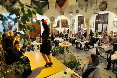 cena para grupos con espectaculo flamenco Cordoba