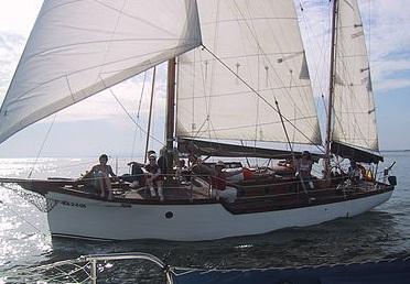 alquiler de barco con patrón en Huelva