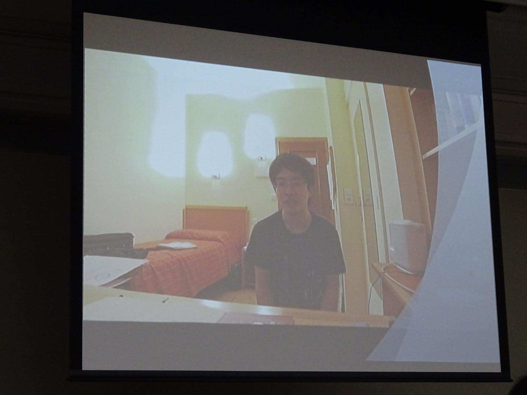 パリ留学中の団友からビデオレターも届きました。