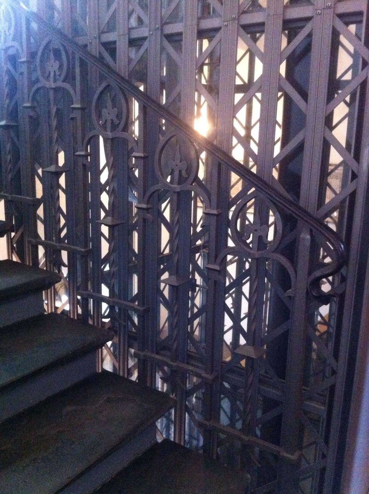 Violon Basel - Lift und Treppengeländer