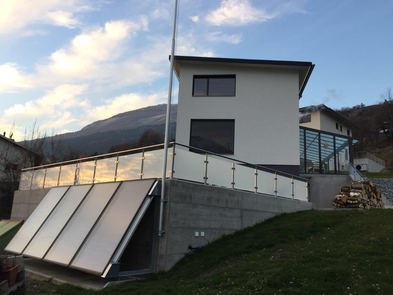 Terrassen Geländer mit Glas (santiniert) - Leuk Stadt 2016