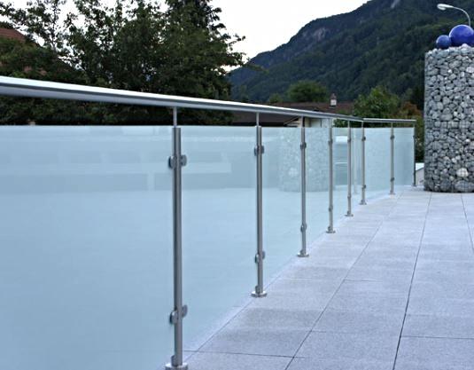 Geländer mit Glas Standard